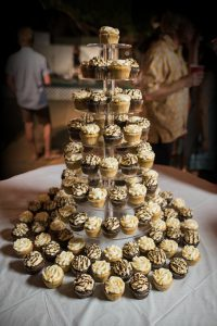 Chocolate and caramel Maui wedding cupcakes by Cupcake Ladies Catering Co.